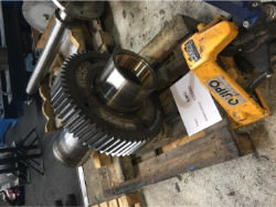 Inspection of a FLENDER KBH 400/S/So gearbox