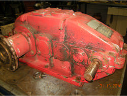 Inspection and overhaul of gearbox of brand SAWA V500-35,5