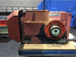 Inspection of a FLENDER T3-DH-9-D gearbox
