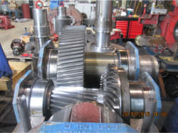 Inspection and repair of FLENDER B2-DH-14-D gearbox