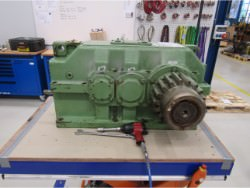 Inspection and repair on BLC-250-12V gearbox