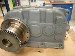 Inspection and repair on FLENDER SDN-250 gearbox