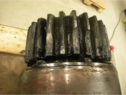 Inspection and repair on FLENDER SOND-175 gearbox