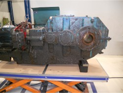 Inspection and repair on WGW gearbox