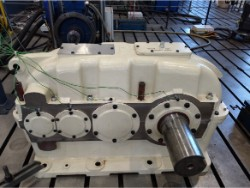 Inspection and repair on FLENDER SDN 400 gearbox
