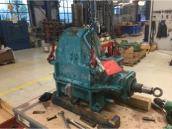 Inspection and repair on HANSEN QVRD2-CUN gearbox