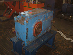 Inspection of a FLENDER gearbox